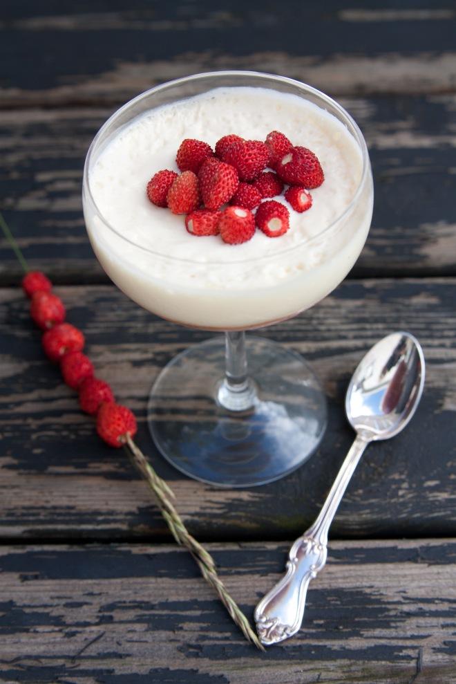 150720 Dessert rabarber och jordgubbar-4001-2
