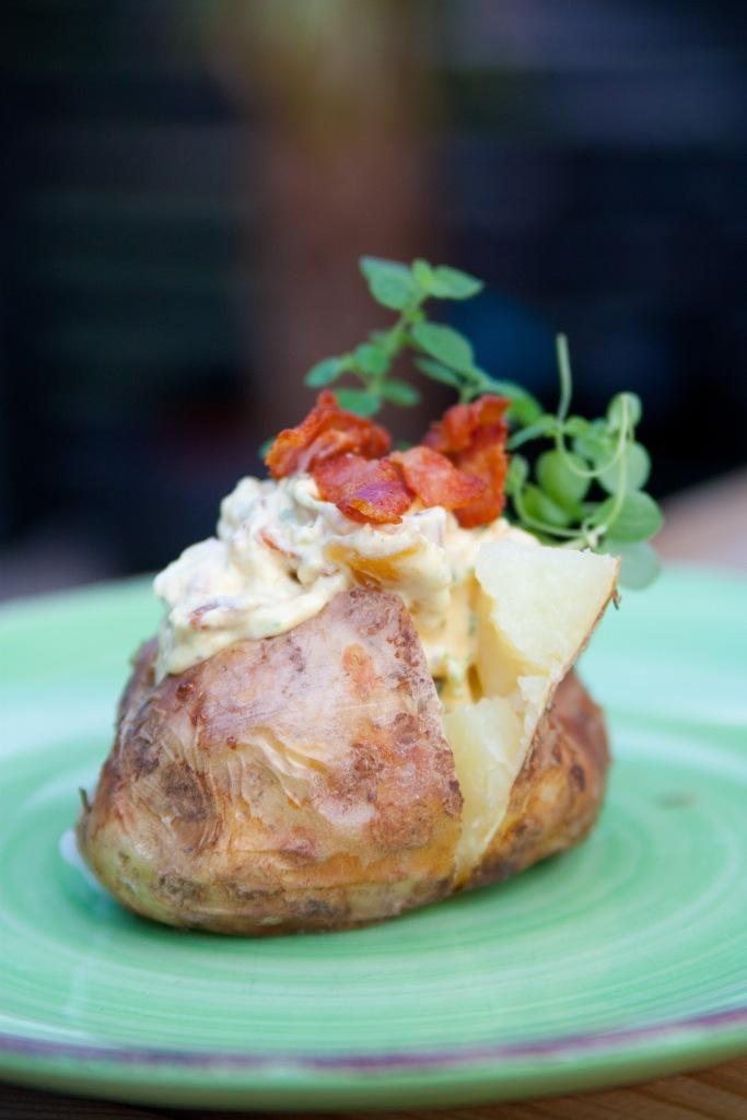 150829 Bakad potatis-4326